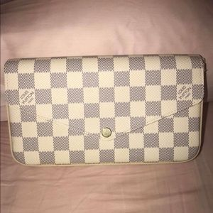 Authentic Louis Vuitton Felicie Damier Azur